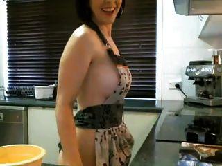 रसोई घर में वेब कैमरा एमआईएलए