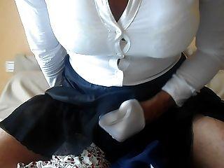 सेक्सी कपड़े, सुंदर अधोवस्त्र, handjob और विशाल सह शॉट।