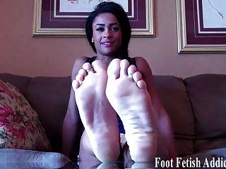 मैं तुम्हें अपने पैर चूसना करने के लिए चाहते हैं