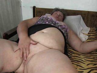 oldnanny मोटा दादी dildo उसे बिल्ली के साथ हस्तमैथुन