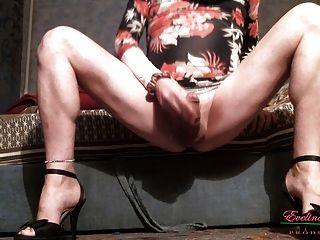 पथपाकर clit नंगे पैर फैला
