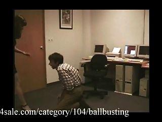 अच्छी गेंद को ख़त्म clips4sale.com पर है