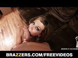 Brazzers - सेक्सी गोरा किशोरों निकी sexx उसकी schoolgi पर कोशिश करता है