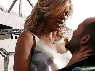 एमी स्मार्ट - क्रैंक 2 से सेक्सी दृश्य