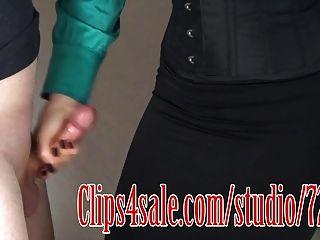 काले स्कर्ट सह 2