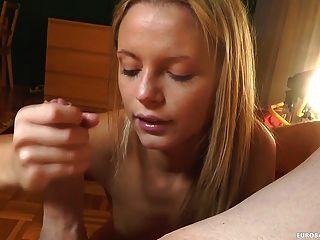 शौकिया उसे blowjob कौशल दिखावा