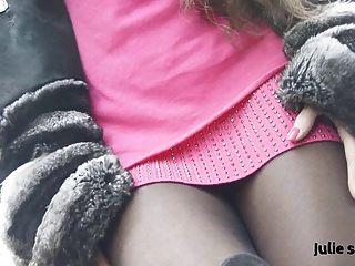 खूबसूरत salope एन चिनचिला Fourrure और pantyhose कामुक नंगा
