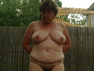 Kay वार्ड नग्न बाहर