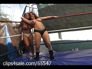 clips4sale.com में महिला कुश्ती पर स्पॉटलाइट