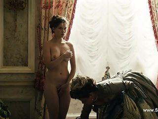 घास का मैदान Seydoux नग्न - विदाई मेरी रानी (2012)