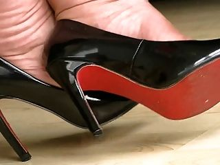 काले उच्च ऊँची एड़ी के जूते 4