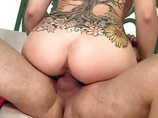 वह चूसना करने के लिए और अच्छा सेक्स प्यार करता है