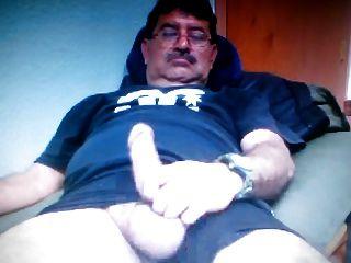 मैक्सिकन पिताजी कैम पर उसके बड़े डिक दिखा