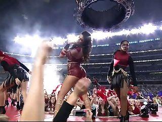 सेलेना गोमेज़ सेक्सी लाइव प्रदर्शन HD - नीचे धीमी