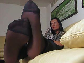 सेक्सी पैर और बुत की अनदेखी