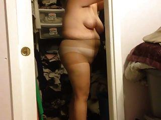 पत्नी उसकी पैंटी hoes पर बीबीडब्ल्यू शरीर पर काले करधनी डाल,