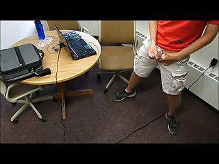 एक वीडियो।दो बड़े भार।