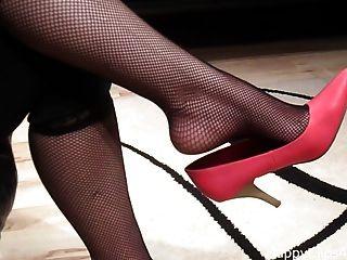 नाओमी लाल Shoeplay