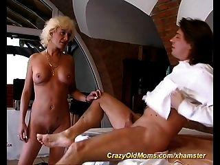 सेक्सी माताओं पहली गुदा सेक्स