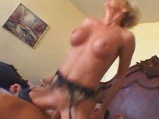 40 + Nympho अपने मुर्गा पर cums