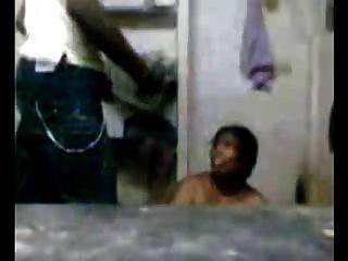 युवा लड़के भारतीय चाची blowjob