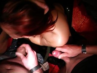 बेल्जियम की महिला एक अश्लील कांग्रेस में लंड बेकार