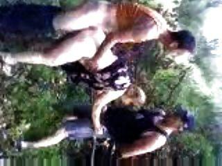 क्रोएशिया में छुट्टी - पत्नी जंगल में पीटने