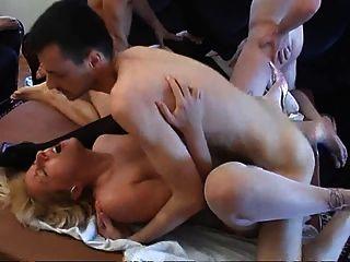 serbian समूह सेक्स