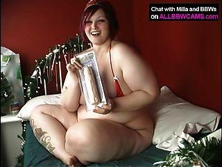 मटोल लड़की यह रास्ता बीबीडब्ल्यू 1 क्रिसमस करता है