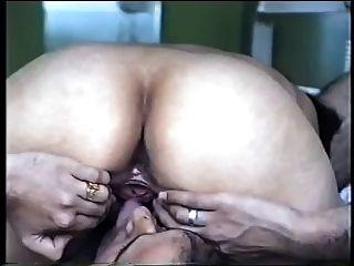 भारतीय युगल घर का सेक्स वीडियो