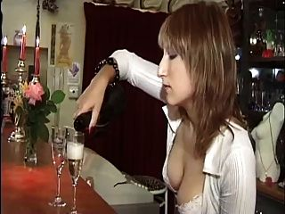 आकर्षक फ्रांसीसी महिलाओं के साथ गुदा