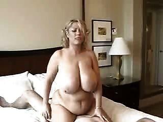 मोटी औरत के साथ सेक्स