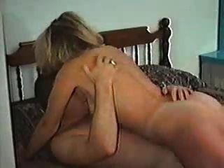 कनाडा की पत्नी किसी दूसरे आदमी के साथ यौन संबंध रखने