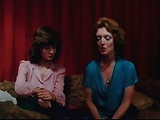 वेरोनिका हार्ट - (छोटी लड़कियों के खो - 1982) 3
