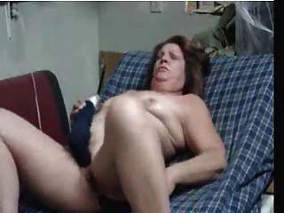 पुराने दोनों छेद का उपयोग कर हस्तमैथुन करने के लिए महिला