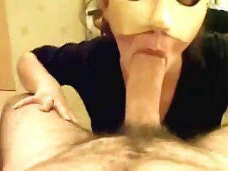 नकाबपोश पत्नी blowjob
