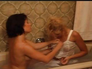 परिवार में umiliazioni।(1996) 1of2