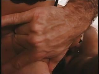 किन्नर frot डबल बैरल के साथ तिकड़ी चूसना
