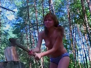 नग्न इतालवी बाहर काम कर नग्न