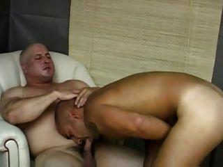 बड़ा मांसपेशियों लेस्बियन बकवास