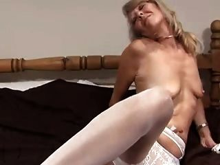 सिर्फ एक सेक्सी परिपक्व महिला