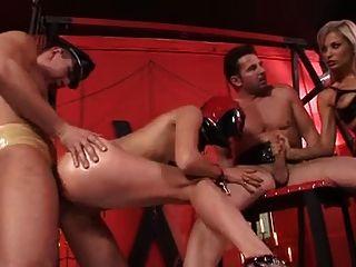 मालकिन slavegirl और दो लंड
