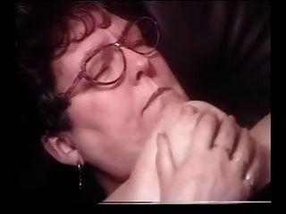 चश्मे पर सह दादी