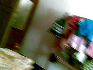 परिपक्व पोशाक बदलने के छिपे हुए कैमरे