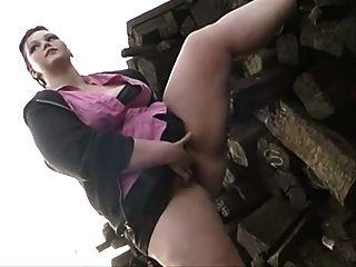 Milla मुनरो आउटडोर