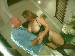 सेक्सी सुडौल गोरा