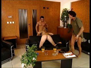 सेक्सी जर्मन लड़की डबल उसका साथी के दो द्वारा गड़बड़