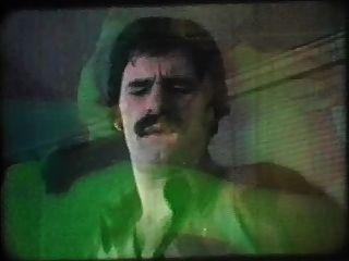जेनिफर की दो जीवन में Georgette सैंडर्स (1979)