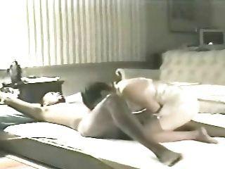 रहने वाले कमरे में फर्श 4 (व्यभिचारी) पर पत्नी ऐलेन