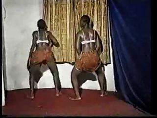 हॉट एंड वाइल्ड अफ्रीकियों